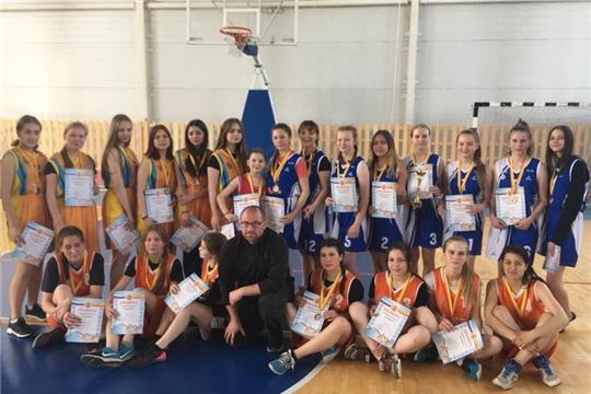 Определены обладатели Кубков города Канаш по баскетболу сезона 2019 года среди мужских и женских команд