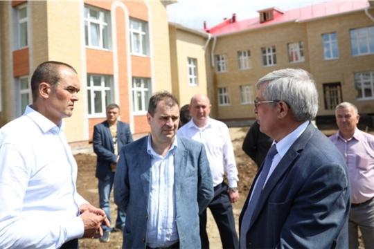 Глава Чувашии Михаил Игнатьев в Канаше посетил строящийся детский сад и дворовые территории
