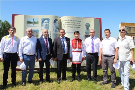 Глава администрации города Канаш Виталий Михайлов поздравил канашцев с праздником песни, труда и спорта «Акатуй»