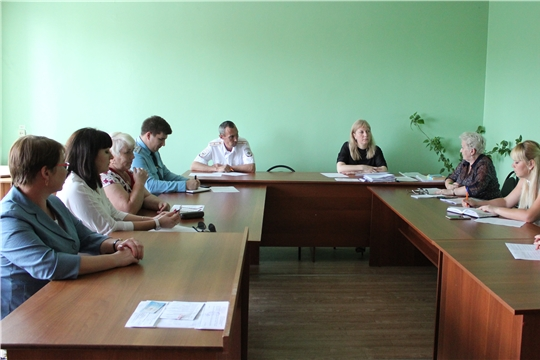 27 июня состоялось очередное заседание комиссии по делам несовершеннолетних и защите их прав администрации г. Канаш