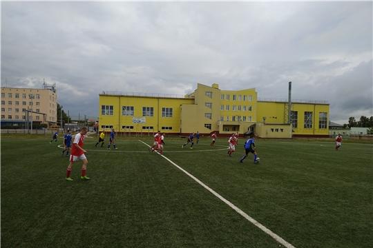 Искусственный футбольный газон стадиона ДЮСШ «Локомотив» стал основной площадкой проведения очередного Дня здоровья и спорта в городе Канаш