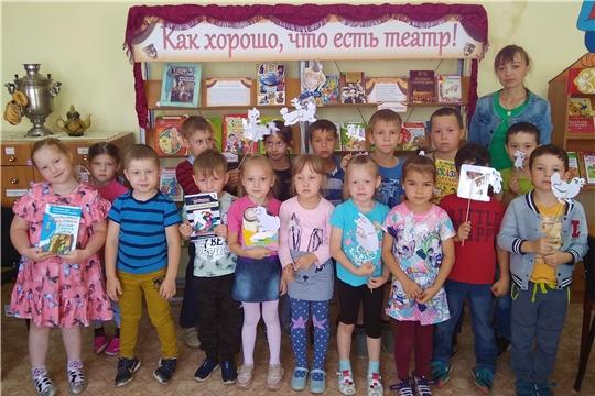 Дошкольники побывали в сказочном театре теней