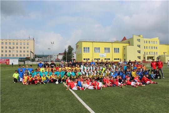 В рамках празднования Дня города Канаш стадион ДЮСШ «Локомотив» принял участников детского футбольного турнира и соревнования по уличному баскетболу