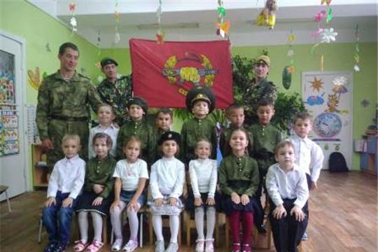 Детский сад №14 г. Канаш посетили военнослужащие внутренних войск в запасе