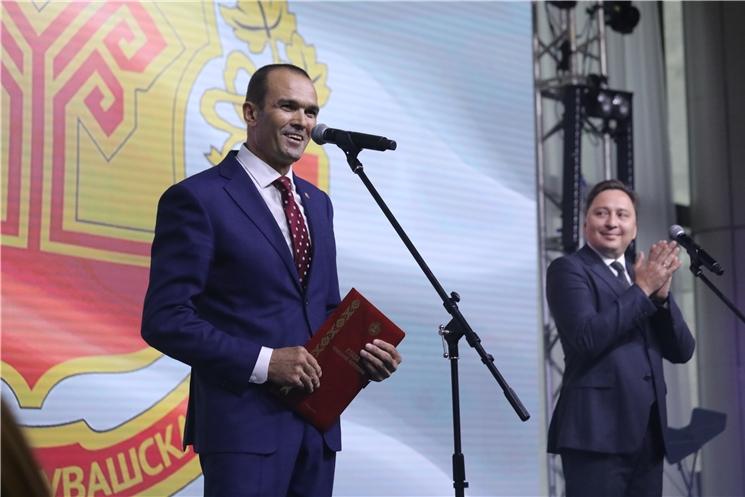 Михаил Игнатьев поздравил группу компаний «Хевел» с 10-летием