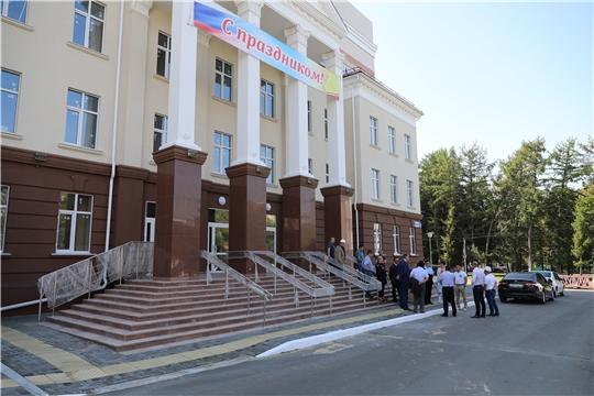 Иван Моторин ознакомился с ходом строительства новой многопрофильной поликлиники Центральной городской больницы в Чебоксарах