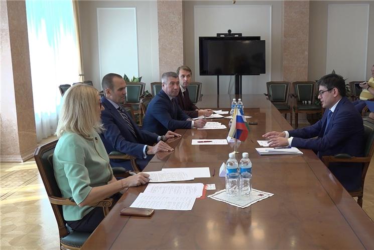 Глава Чувашии Михаил Игнатьев встретился с генеральным консулом Республики Узбекистан в г. Казань Фариддином Насриевым