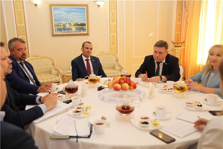 Глава Чувашии Михаил Игнатьев обсудил актуальные вопросы с редакторами СМИ республики