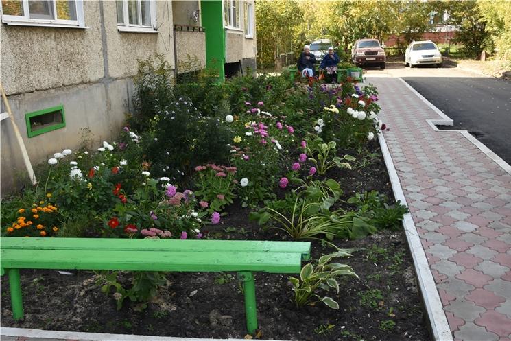 Глава Чувашской Республики Михаил Игнатьев проинспектировал ход благоустройства улиц в г. Алатырь.