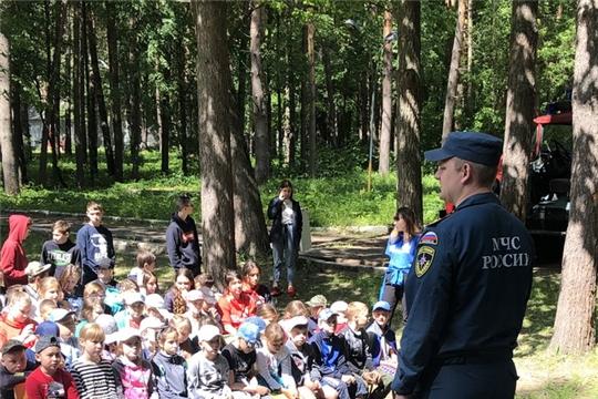 В пришкольных лагерях города Шумерля проводятся противопожарные занятия