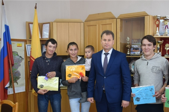 В Шумерле ключи от новых квартир получили 4 детей-сирот