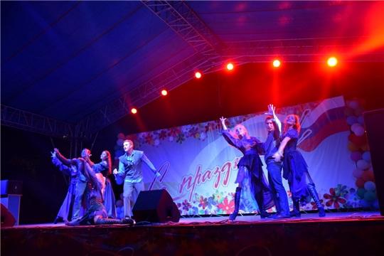 Большая концертная программа и фейерверк завершили празднование Дня города Шумерля