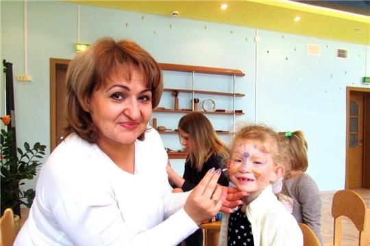 «Улыбнитесь вместе с нами!» - работа детского библиотечного православного театра «Улыбка веры» продолжается