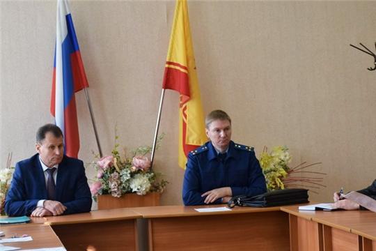 Шумерлинским межрайонным прокурором проведен прием граждан по вопросам соблюдения законодательства в сфере ЖКХ