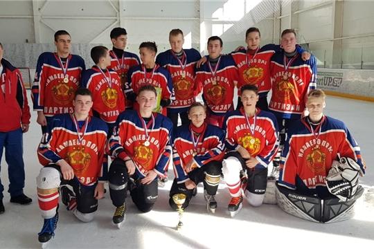 Команда «Партизан» Ибресинского района – победитель республиканских соревнований по хоккею среди допризывной молодежи