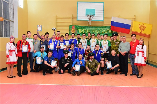 В поселке Липовка отметили 90-летие школы и провели 19-ый турнир по волейболу памяти Героя России Леонида Константинова