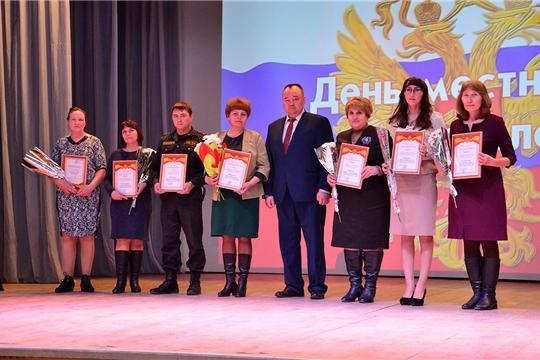 Глава администрации Ибресинского района Сергей Горбунов поздравил муниципальных служащих с профессиональным праздником