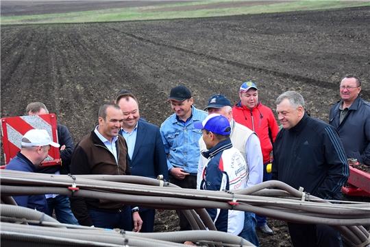 Глава Чувашской Республики Михаил Игнатьев ознакомился с ходом посевных работ в Ибресинском районе
