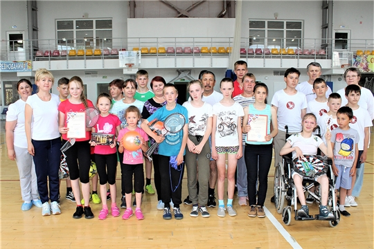 В Ибресинском районе прошел спортивный праздник «Веселые старты» среди замещающих семей
