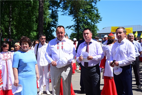 В Ибресинском районе в 72-й раз проходит праздник песни, труда и спорта «Акатуй»