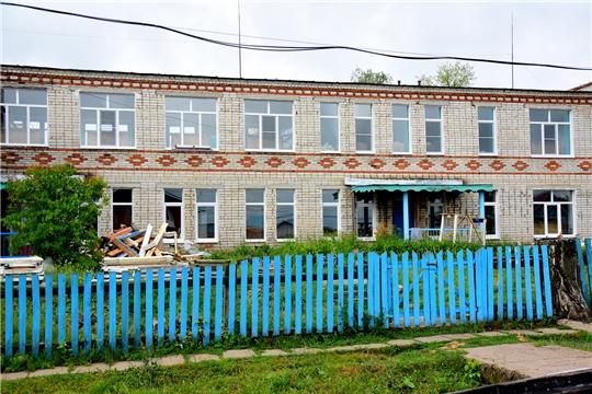 Новочурашевский молочный завод Ибресинского района оказал спонсорскую помощь на замену оконных и дверных блоков детского сада «Колосок»