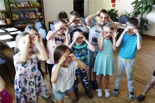 В Детской библиотеке Ибресинского района продолжают проходить мероприятия в рамках Года Театра