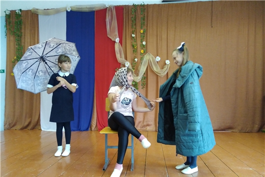 Прошла театральная викторина «За театральной кулисой»