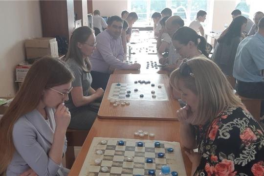 Команда Мининформполитики Чувашии приняла участие в соревнованиях по шашкам