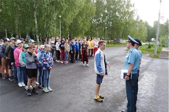 В оздоровительных лагерях г. Чебоксары детям напоминают о пожарной безопасности