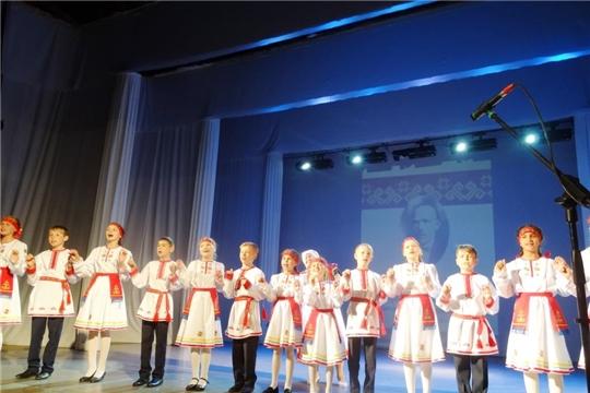 В Чебоксарах прошел фестиваль чувашской песни, посвященный 550-летию города