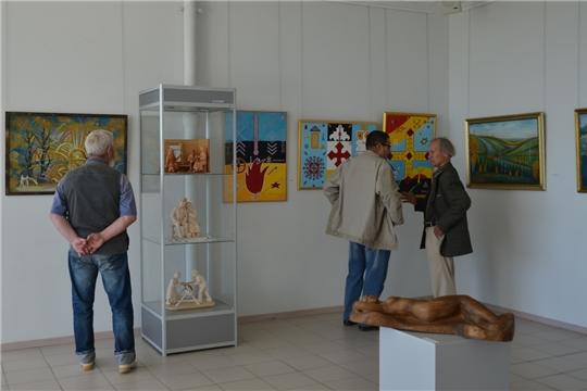 Накануне Дня республики в чебоксарском музее открылась выставка, посвященная 550-летнему юбилею города