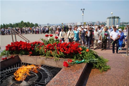В День памяти и скорби в Чебоксарах состоялась церемония возложения цветов к Вечному огню