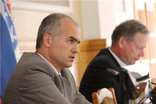 Глава администрации Чебоксар Алексей Ладыков провел прямую линию с жителями
