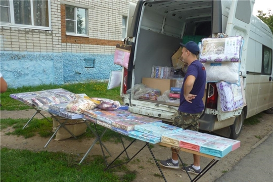 В Калининском районе пресечены факты нелегальной торговли и расклейки объявлений