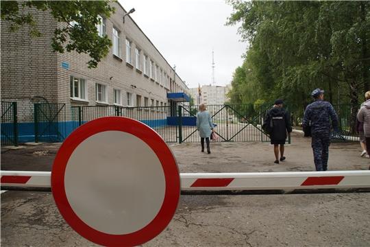 В Калининском районе за два дня приемку прошли 10 образовательных учреждений