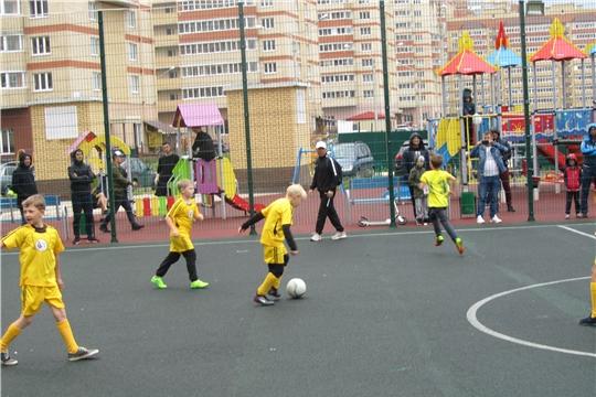 В Калининском районе проходит турнир по мини-футболу, приуроченный к 550-летию г. Чебоксары