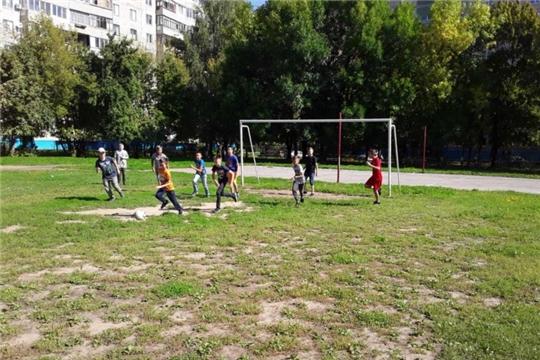 В Чебоксарах инструктора по спорту проводят мероприятия для детей