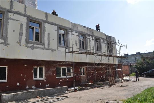 В поликлиниках Городской клинической больницы №1 г. Чебоксары продолжается капитальный ремонт