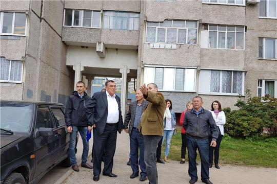 Калининский район: в ходе еженедельного рейда по дворам выявлены некоторые замечания