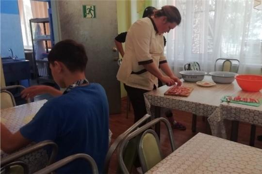 В Чебоксарском центре для детей-сирот был проведен кулинарный мастер-класс