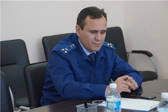 В администрации Калининского района г. Чебоксары проведен прием граждан по вопросам соблюдения законодательства в сфере жилищно-коммунального хозяйства