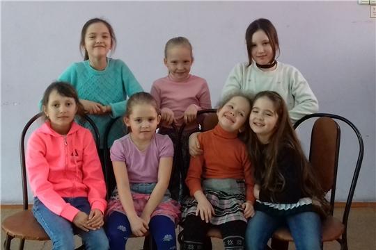 Игровая программа «Весёлый апрель»  для воспитанников младшей группы детского театрального коллектива «МимиККласс»