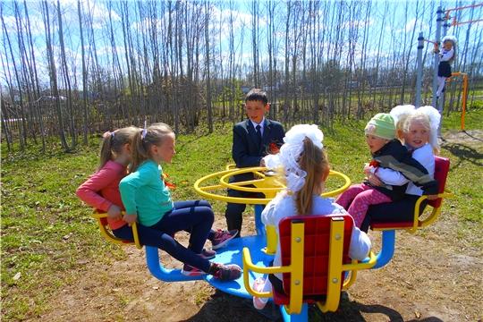 Игровая программа   «Детство добротой согрето» в Липовском сельском клубе