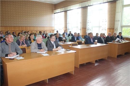 В актовом зале администрации Козловского района была проведена еженедельная планерка