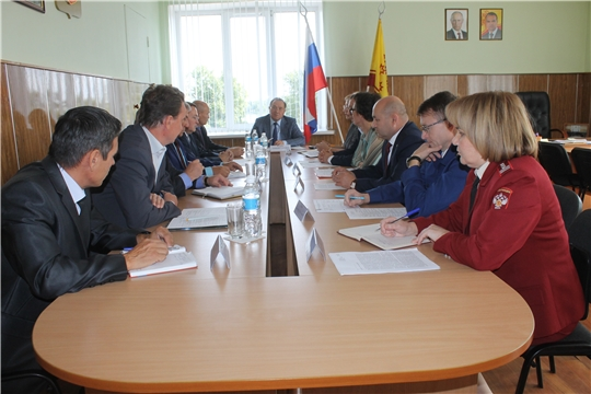 Состоялось рабочее совещание с участием главного федерального инспектора по Чувашской Республики Геннадия Федорова
