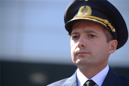 Пилот аварийно севшего в Подмосковье самолета А321 Дамир Юсупов является выпускником юрфака ЧГУ им. И.Н. Ульянова