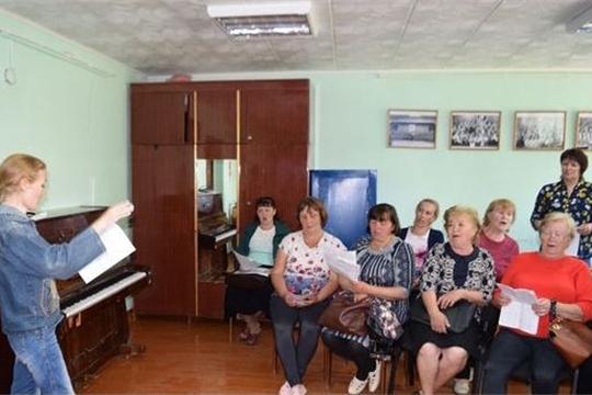 Коллективы самодеятельного народного творчества Красночетайского района ведут активную подготовку к празднованию районного праздника песни, труда и спорта «Акатуй»