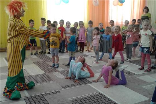 """В детском саду """"Солнышко"""" прошел праздник «Здравствуй, лето»"""