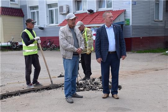 Ведется капитальный ремонт автомобильной дороги в селе Красные Четаи