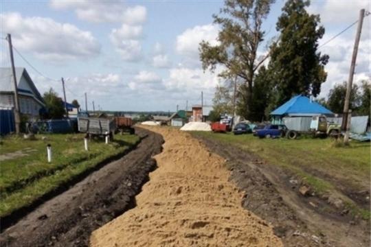 В рамках программы инициативного бюджетирования ведется ремонт грунтовых дорог